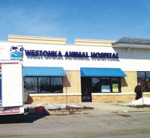 westonka animal hospital sign